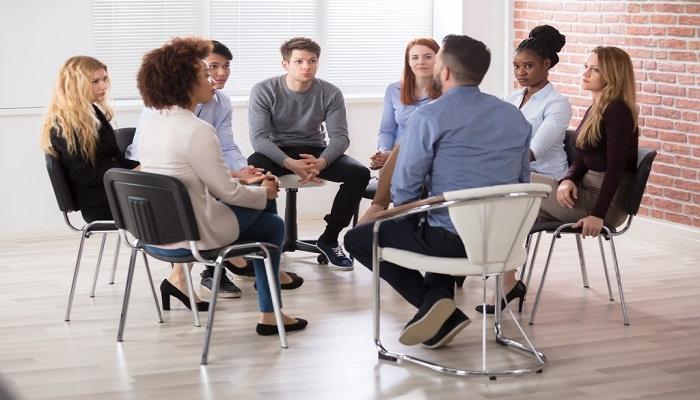 گروهدرمانی چیست و چه فایده داره؟